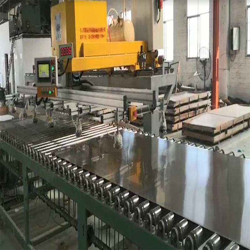 Automatic wire drawing and grinding machine